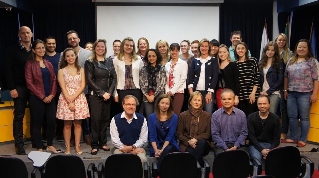 Participantes do Programa de Mestrado e Doutorado em Biotecnologia Aplicada à Saúde da Criança e do Adolescente e os professores responsáveis: boas novidades em pesquisa científica.