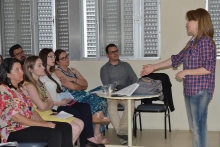 A pesquisadora e diretora de Relações Institucionais do IPP, Mara Lúcia Cordeiro, foi a responsável pelo evento.