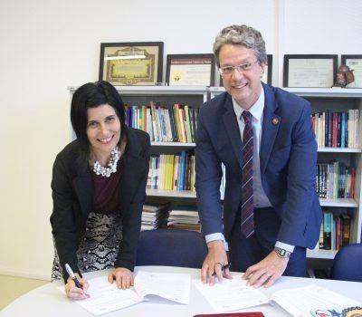 Assinatura do convênio bilateral com PUCPR